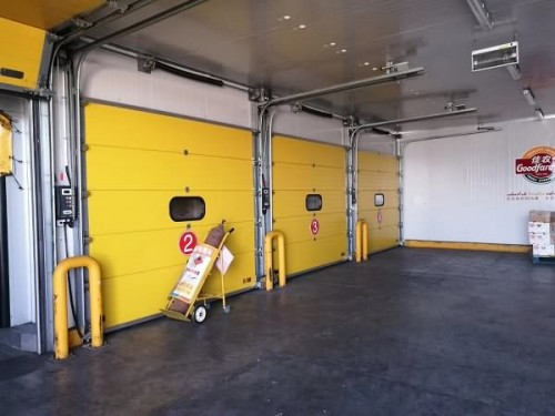 Model 8000 Commercial Doors Standard Lift