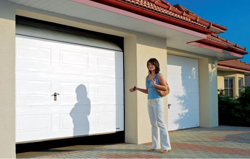 9 Tips for Seasonal Garage Door Maintenance